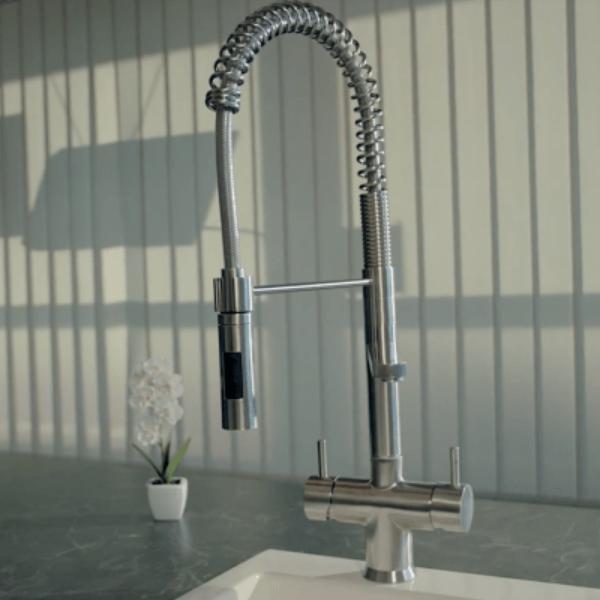 Designer Spiralfeder-5-Wege-Wasserhahn mit Brause LUXURY