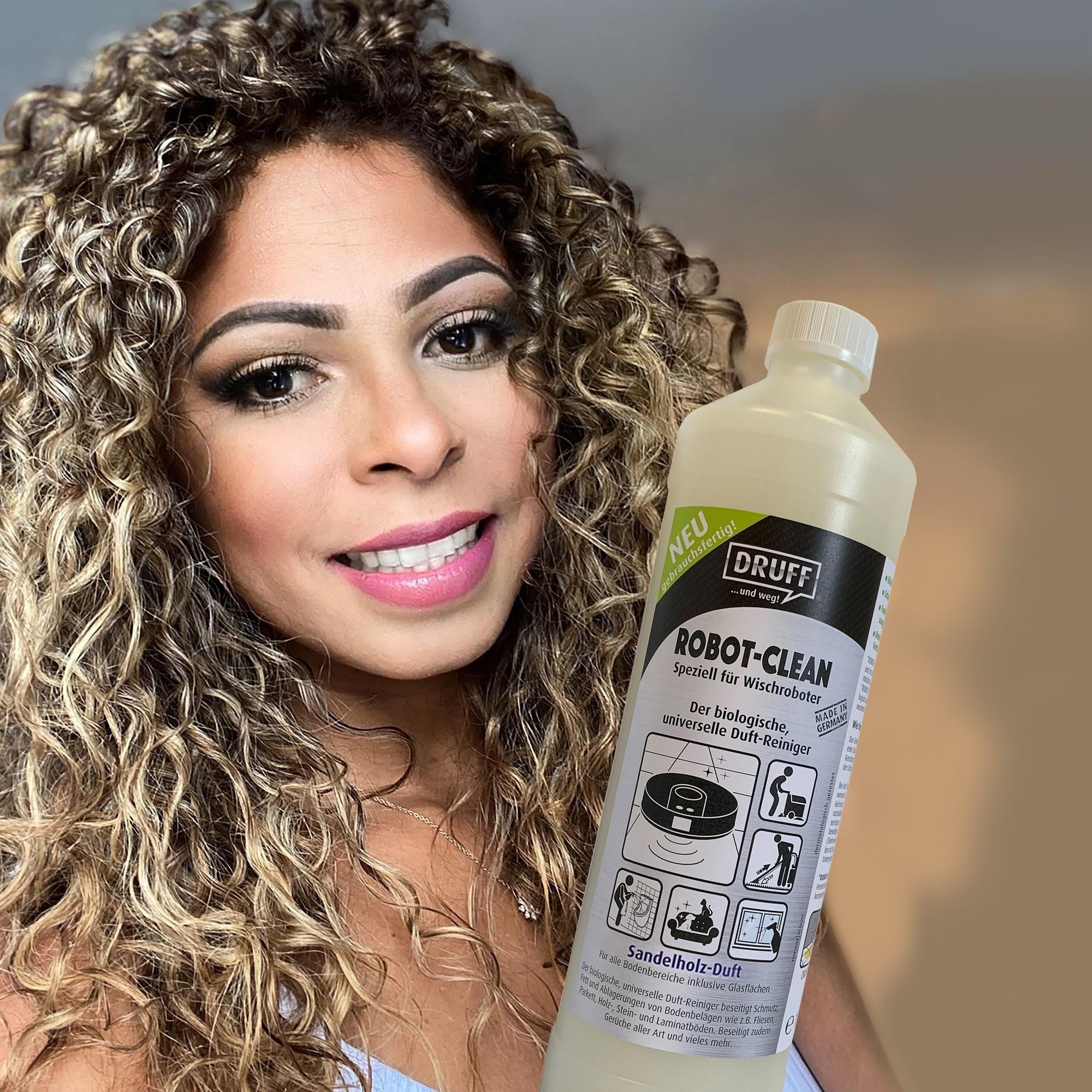 Dame mit Robot-Clean_SAH_gebr.fertig_2021-04-21